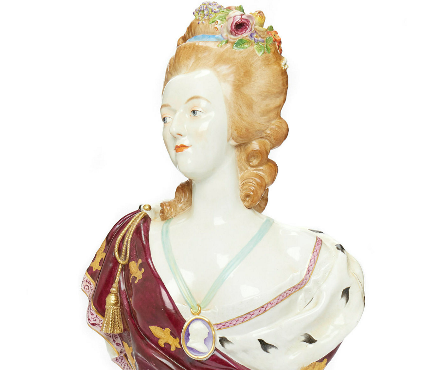 A vendre: bustes Marie Antoinette - Page 9 Zducre14