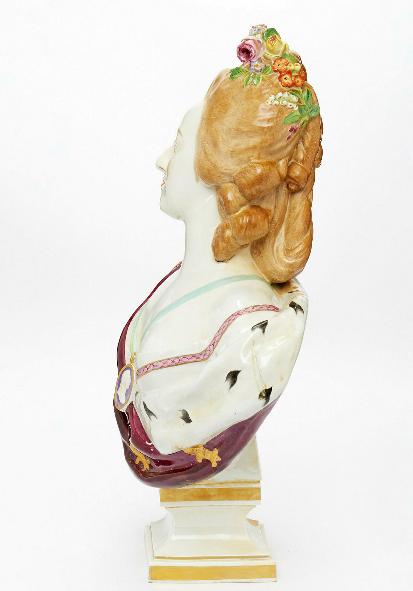 A vendre: bustes Marie Antoinette - Page 9 Zducre19