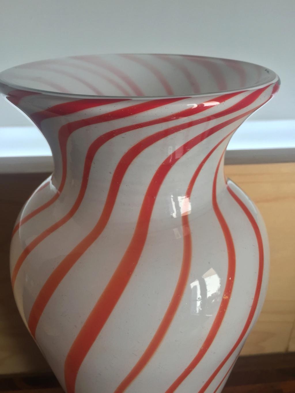 Is my vase TK Maxx tut or Italian Treasure? Img_0411