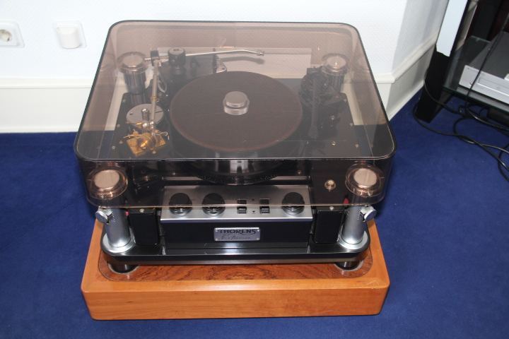 Thorens Reference Black £21,000.00 Img_6910