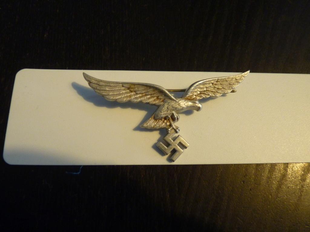 authentification insigne luftwaffe et insigne ancien combattant P1070357
