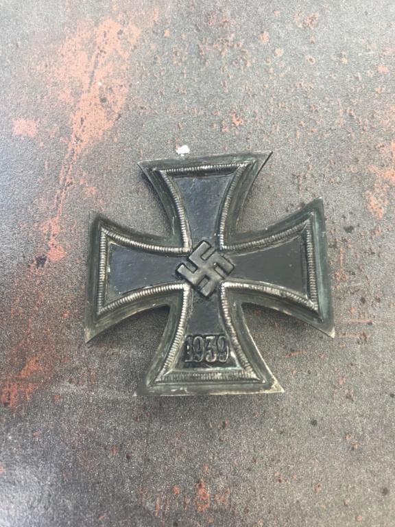 A vos avis croix de fer et insigne 88456310