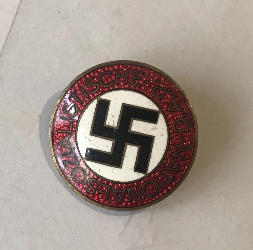 Badge du parti 9bbd4210
