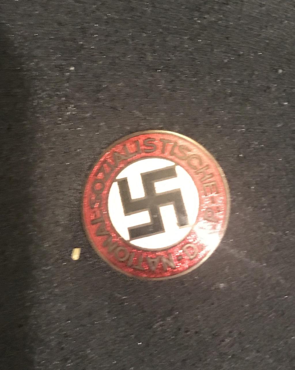Badge du parti B6ec5c10