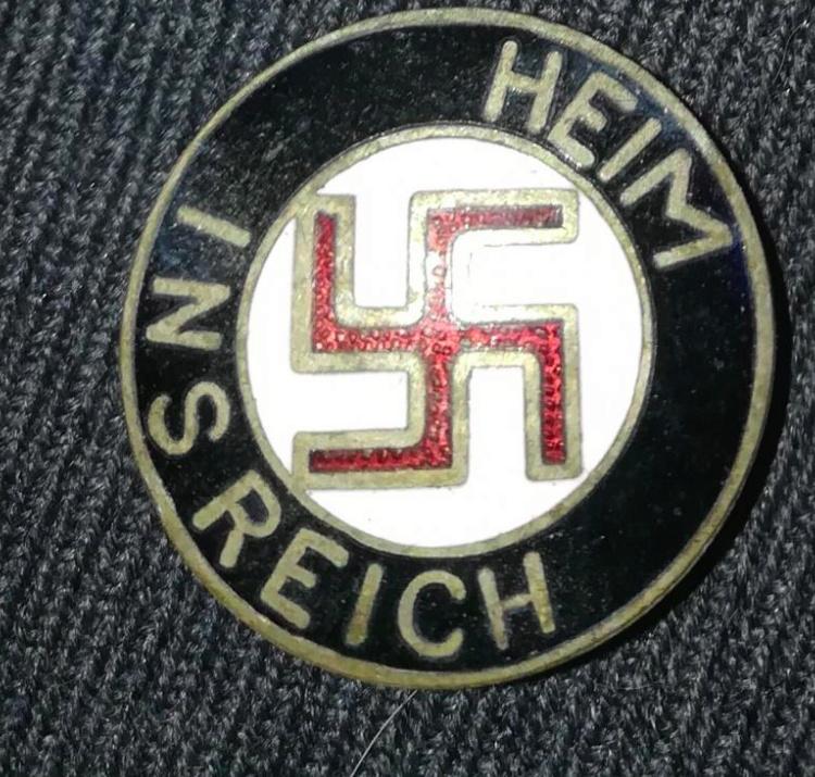 badge Heim Ins Reich Captur29