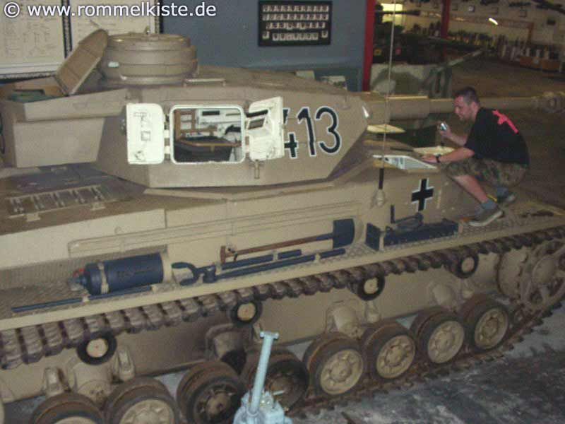 Openable Hatches for Loader and Gunner (Panzer IV) Bild0110