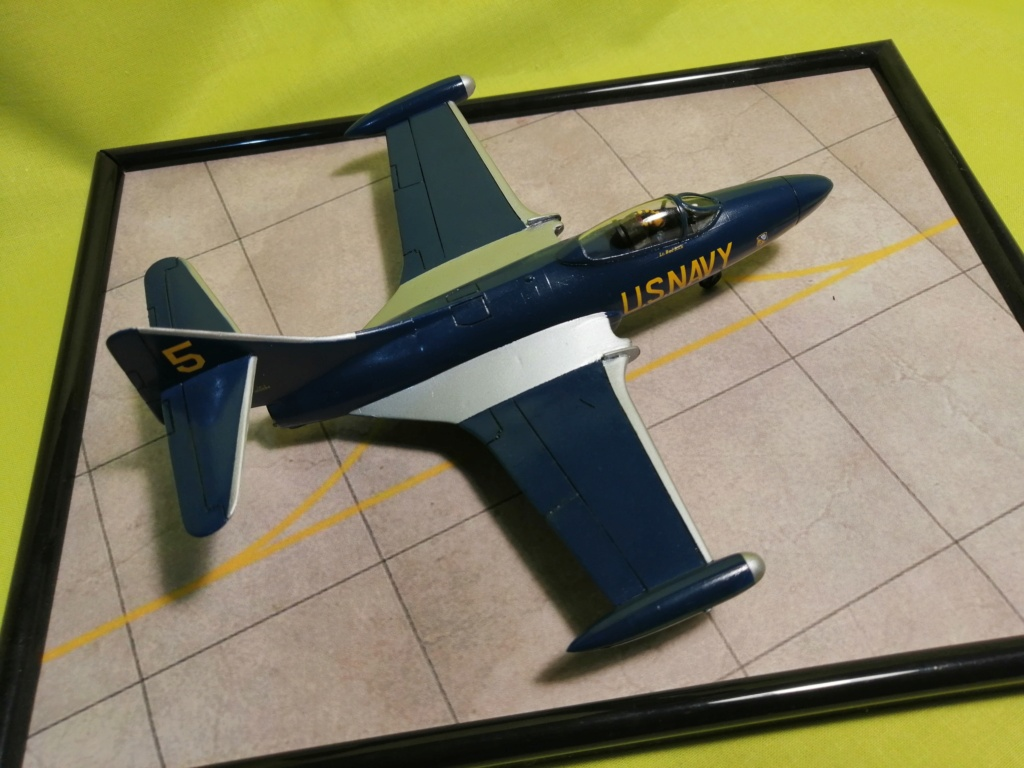 F-9 PANTHER F-5 Blue Angels (Revell) 1/72 - Page 3 Img_2013