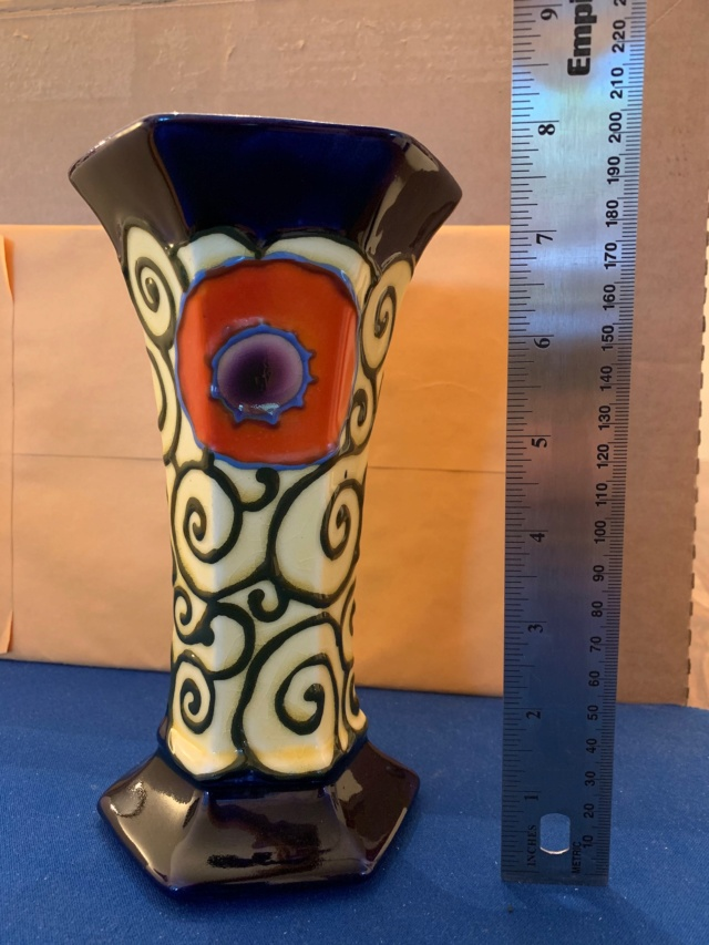 Identifying possible Ditmar Urbach vase A857d310