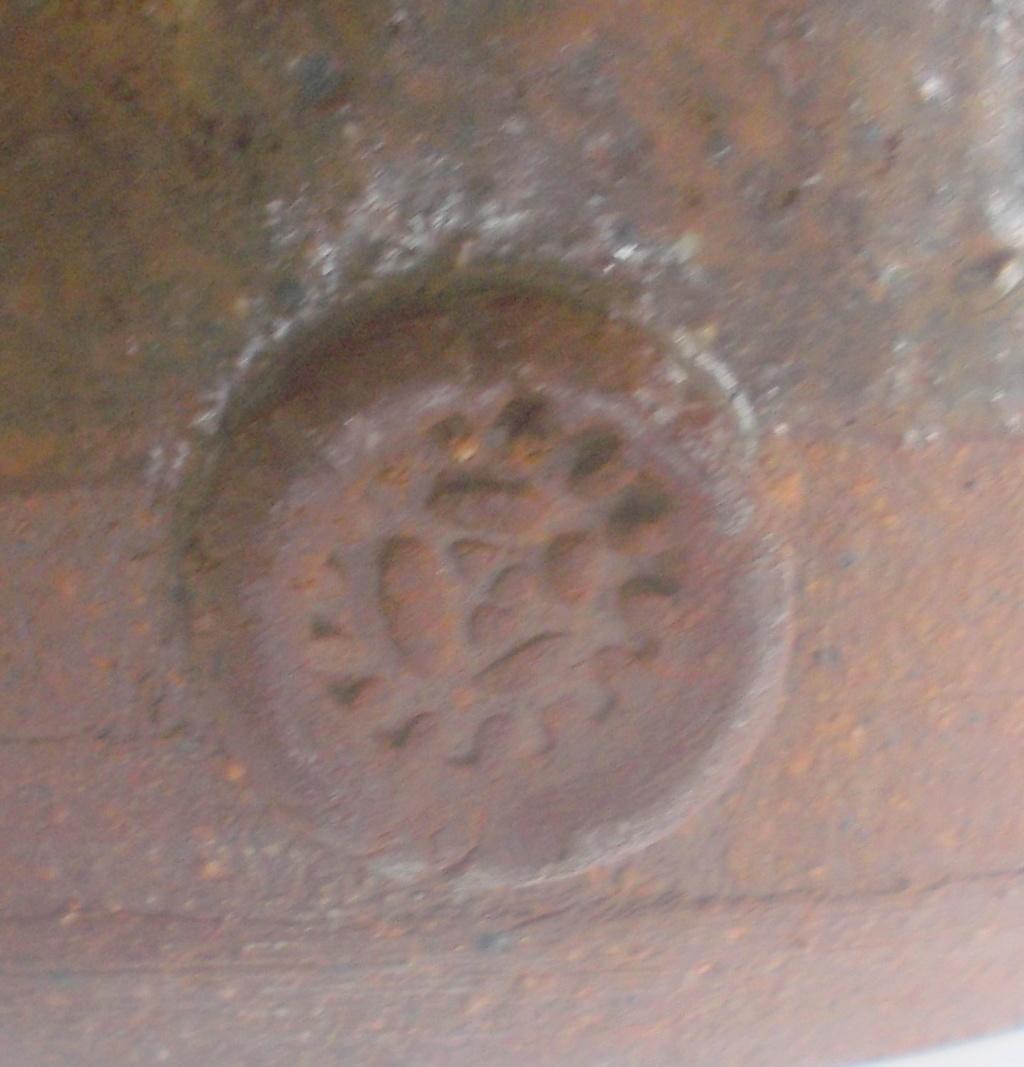 Large imposing studio pottery vase 11in unknowm mark Dscn0112