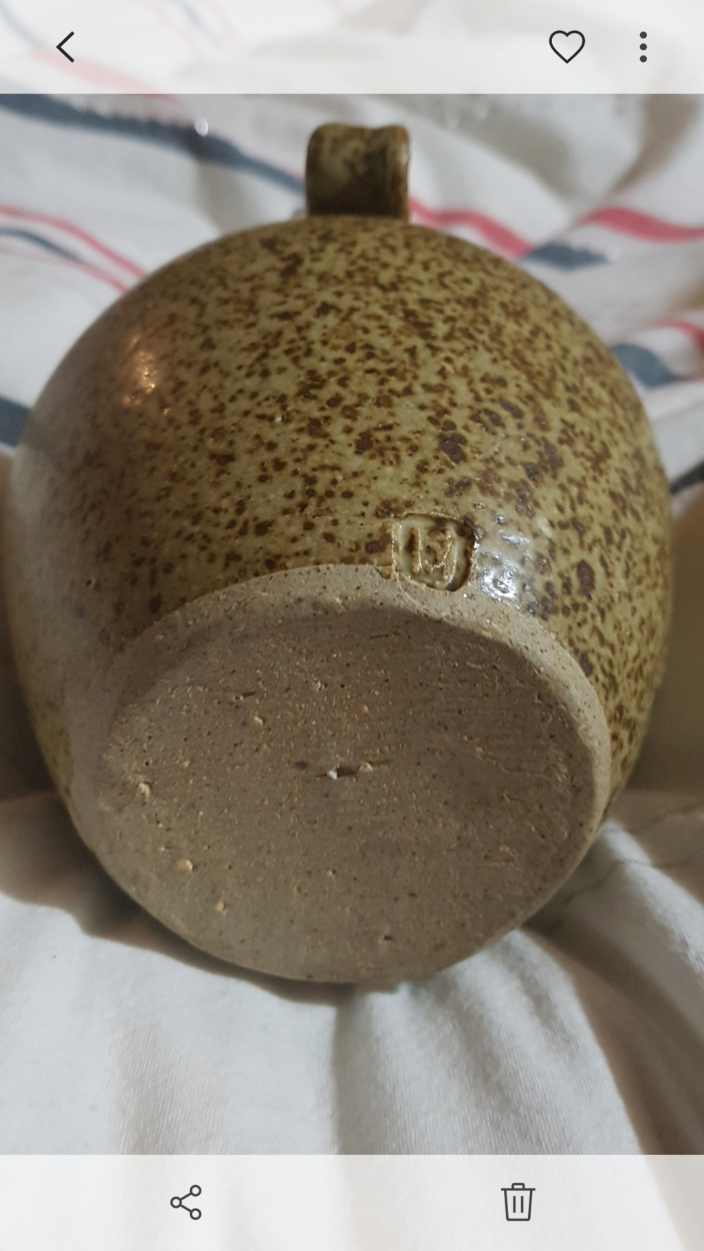 Identifying pottery jug, jeff Scholes? Screen13