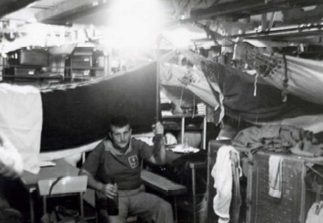 [Les traditions dans la Marine] Les hamacs. - Page 3 Hamac10