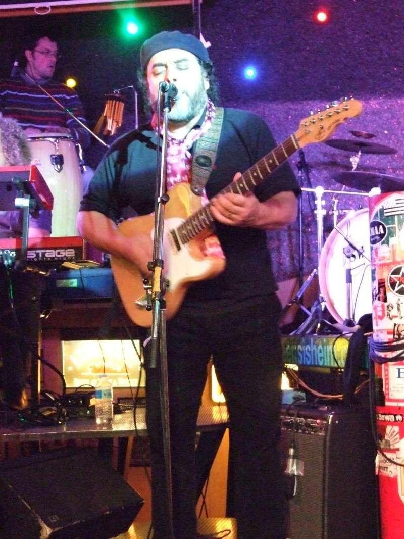 Tino Gonzales et Guitar Crusher Live au Caf'Conc d'Ensisheim Dscf0410