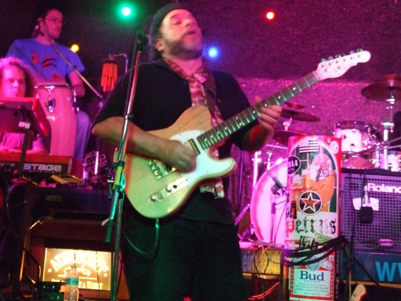 Tino Gonzales et Guitar Crusher Live au Caf'Conc d'Ensisheim Dscf0411