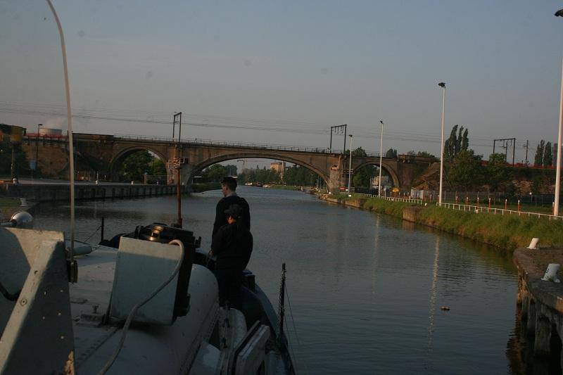 navigation avec le Sambre le 30-04 et 01-05-2011 Sambre30