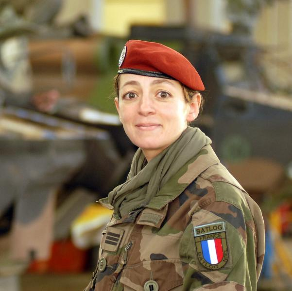 Malika, capitaine para portrait : en afghanistan avec l'ancienne du 35e 1er_rh11