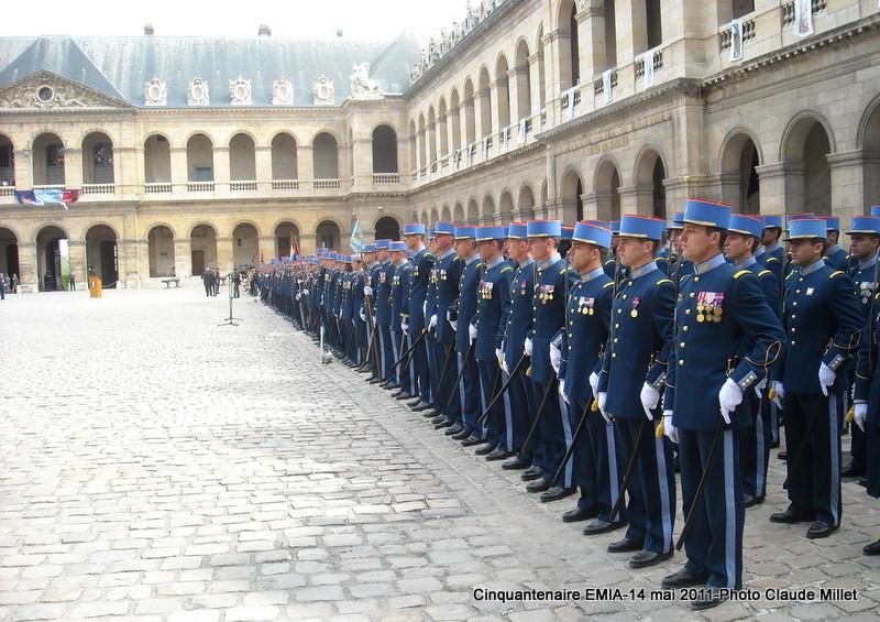 L'Ecole Militaire Interarmes reçoit la Légion d'Honneur Invali10