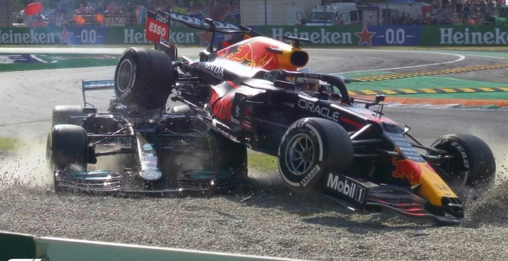 """Pensez-vous qu'il y aura un ou plusieurs """"incidents ou accidents"""" entre Hamilton et Verstappen (saison 2021)  ? Ab7c9710"""