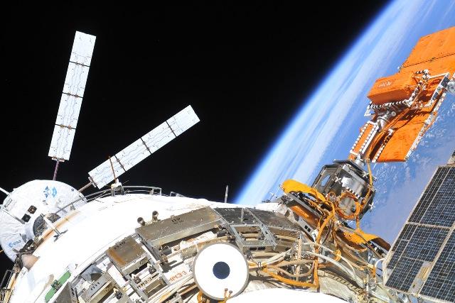 ISS : Expédition 26 - Page 3 Dimatv12