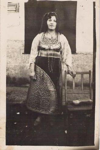 SOIR DU HENNE AVEC  LA KESOUA EL KBIRA (grande robe en arabe) Kesoua10