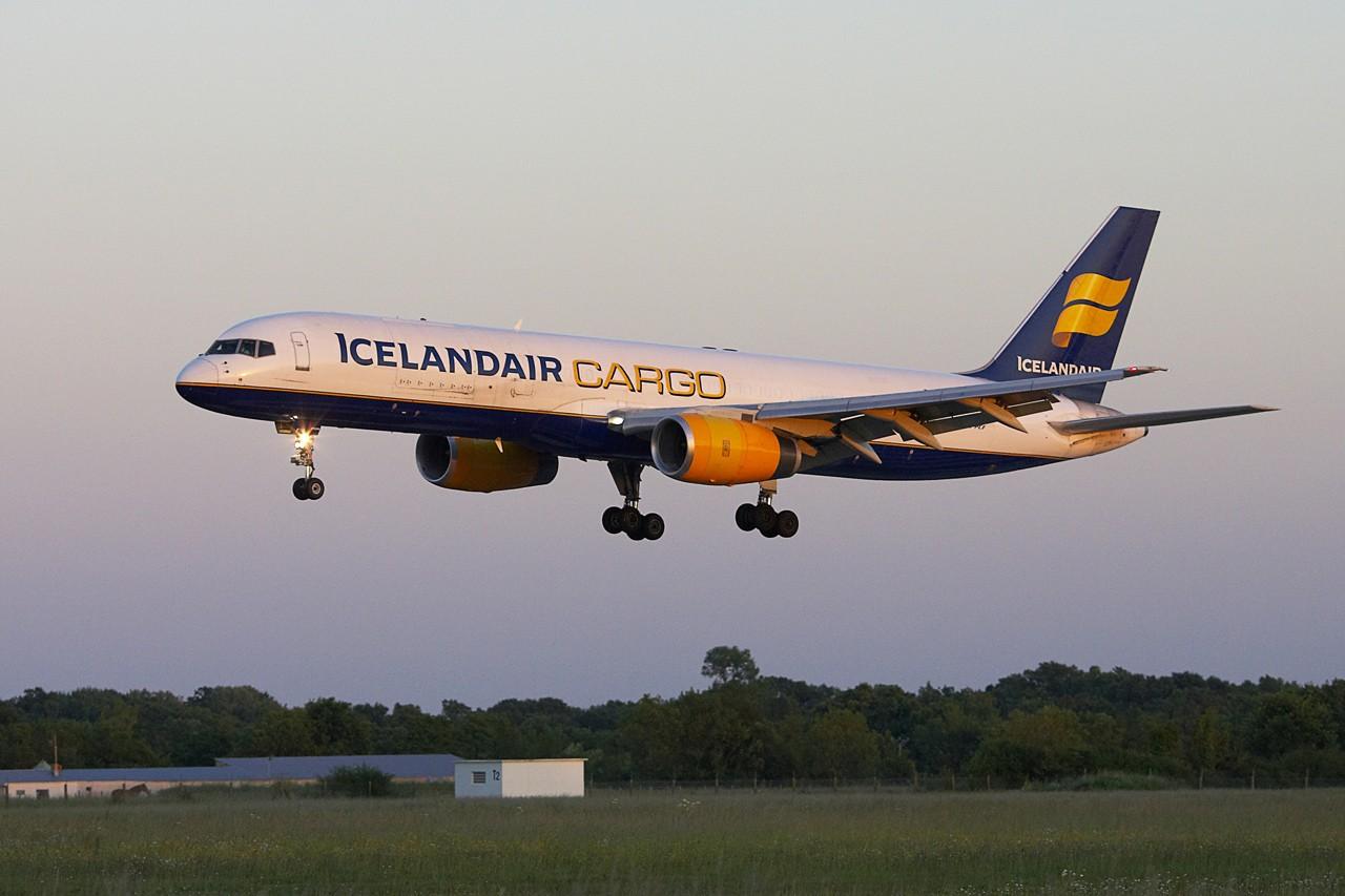 [TF-FIH] 757-200 PCF  Icelandair Cargo Jp0r6412