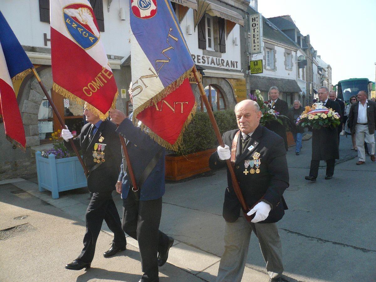 [ Associations anciens Marins ] Associations Patriotiques P1070410