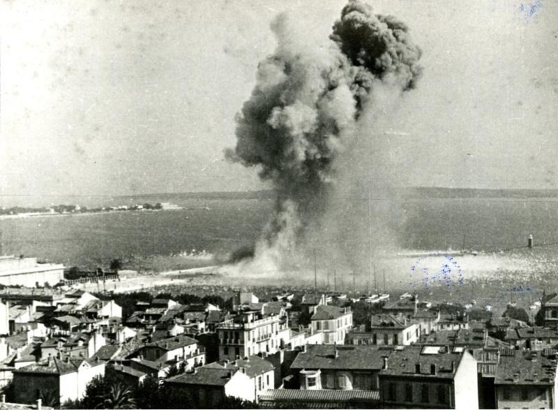 Destruction du port de Cannes (06) 13fi5711