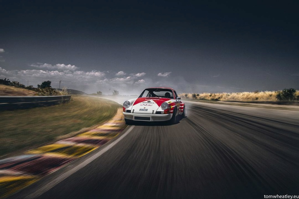 Une Belle photo de Porsche - Page 32 59796510