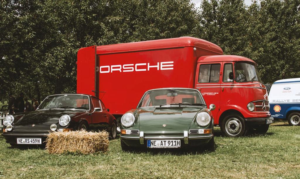 Une Belle photo de Porsche - Page 35 79737710