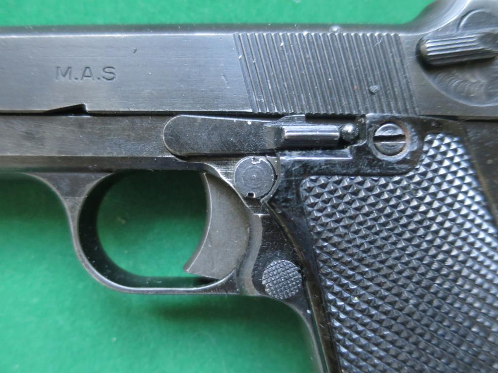 """Pistolet réglementaire MAS Modèle 1935 """"S"""" - Page 2 Img_2425"""