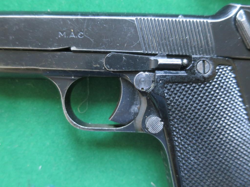 """Pistolet réglementaire MAS Modèle 1935 """"S"""" - Page 2 Img_2426"""
