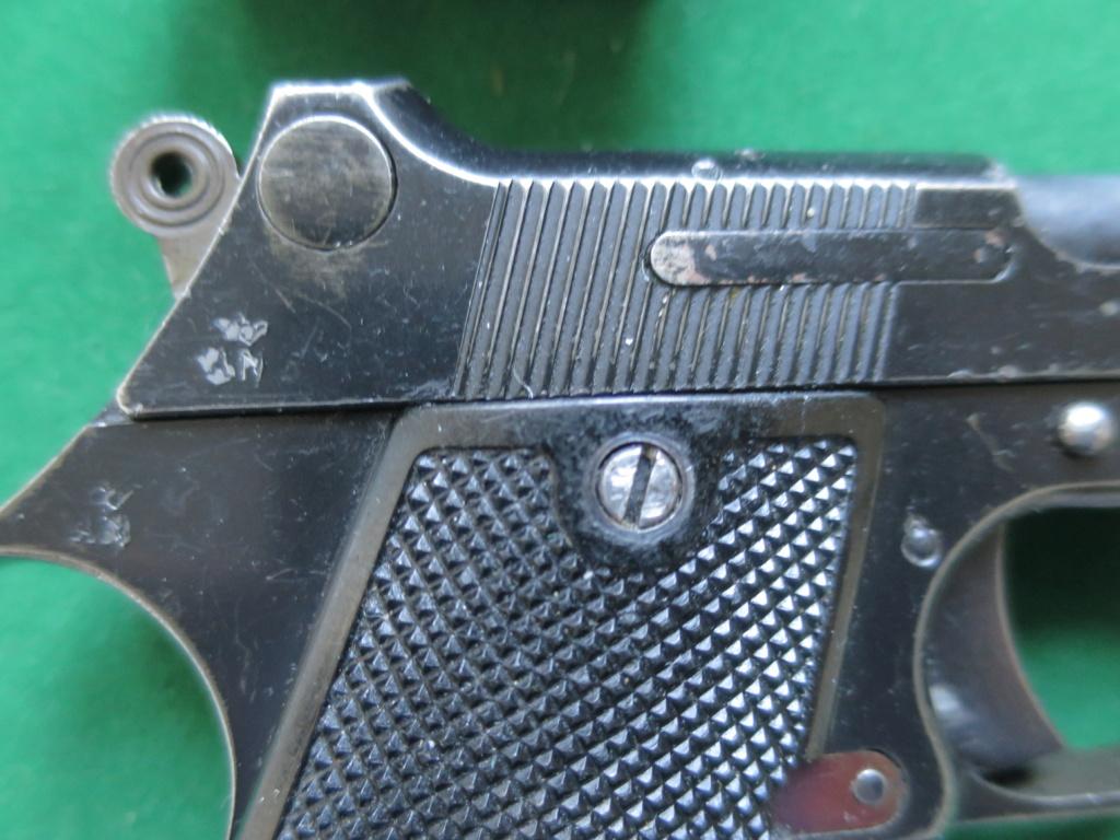 """Pistolet réglementaire MAS Modèle 1935 """"S"""" - Page 2 Img_2432"""