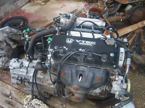 Sedan EH9: Nouveau moteur posé .  - Page 3 B5672u10