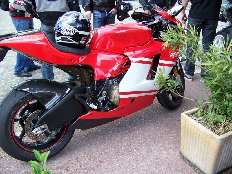 Rassemblement Bauduen 2011 100_1820