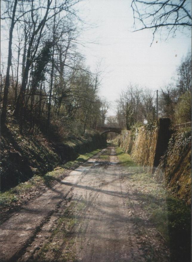 Chemin de fer de l'Entre-deux-mers E210