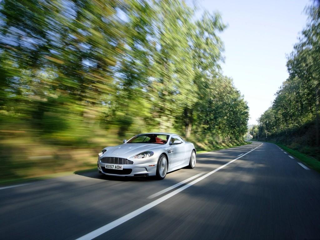 Ahhh Aston Martin...Le post officiel des Astons - Page 2 Aston_14