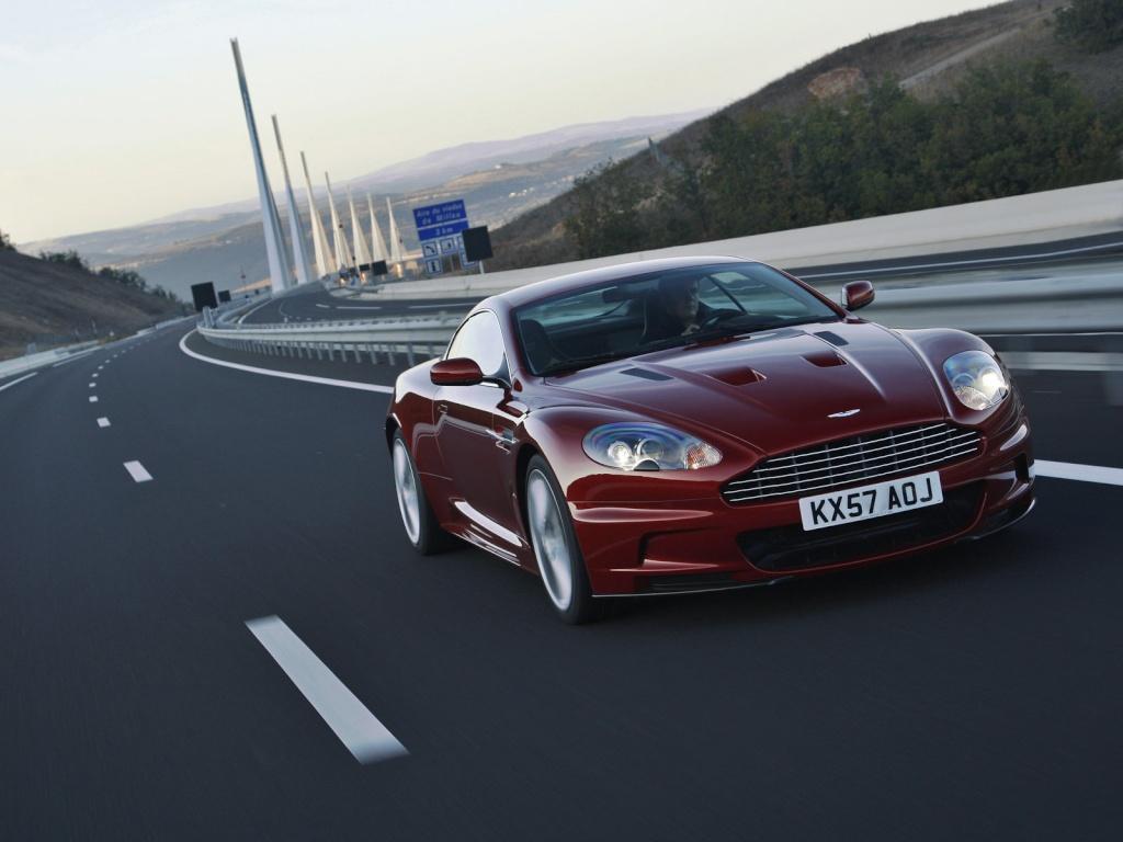 Ahhh Aston Martin...Le post officiel des Astons - Page 2 Aston_15