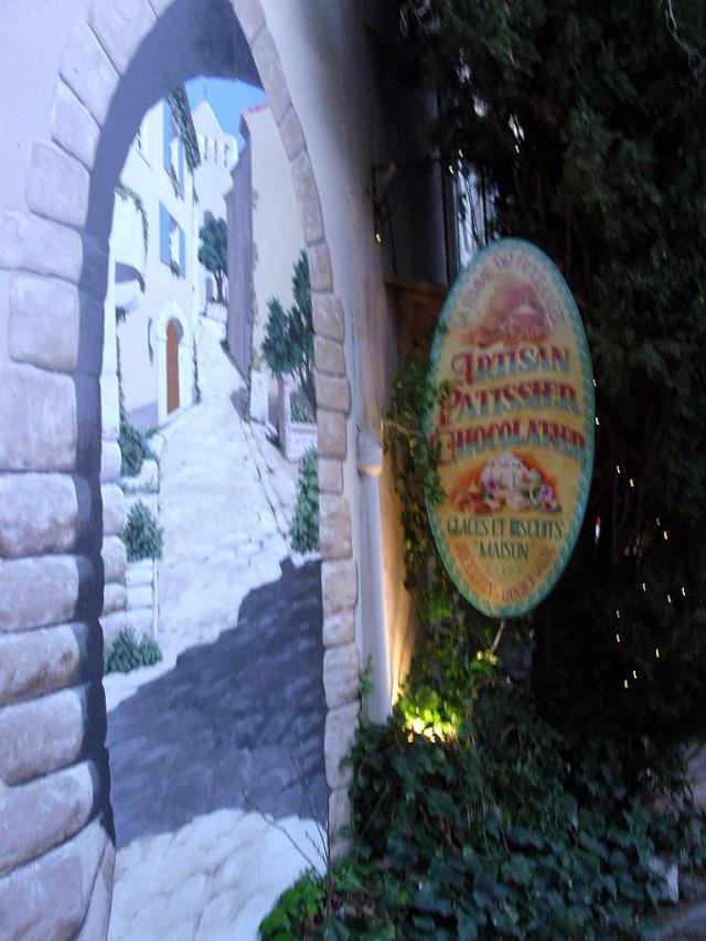 Le Castelet Snb12759