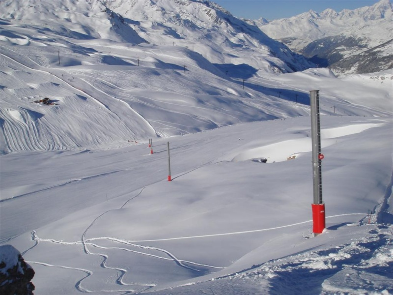 Val d'Isère nouveautés 2007/2008 - Page 4 Dsc05136