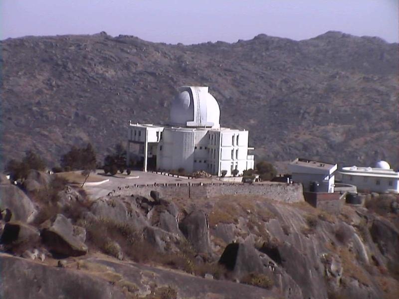 Observatoires astronomiques vus avec Google Earth - Page 8 Mont_a10