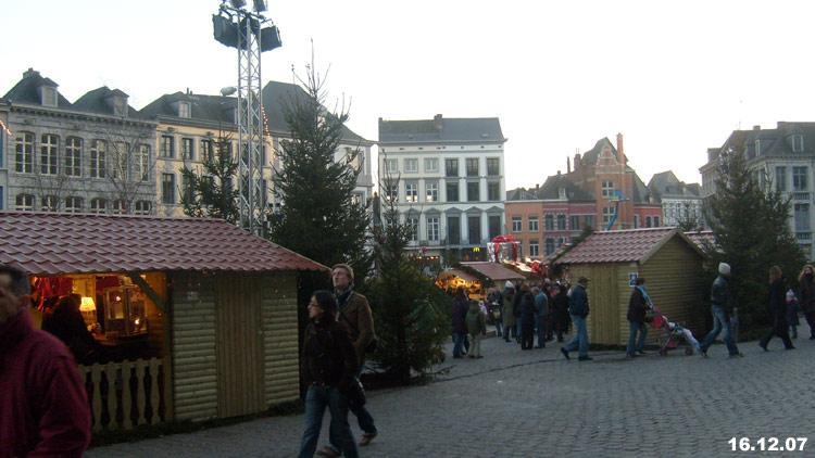 La grand-place de Mons le 16 décembre 07 02_mon10