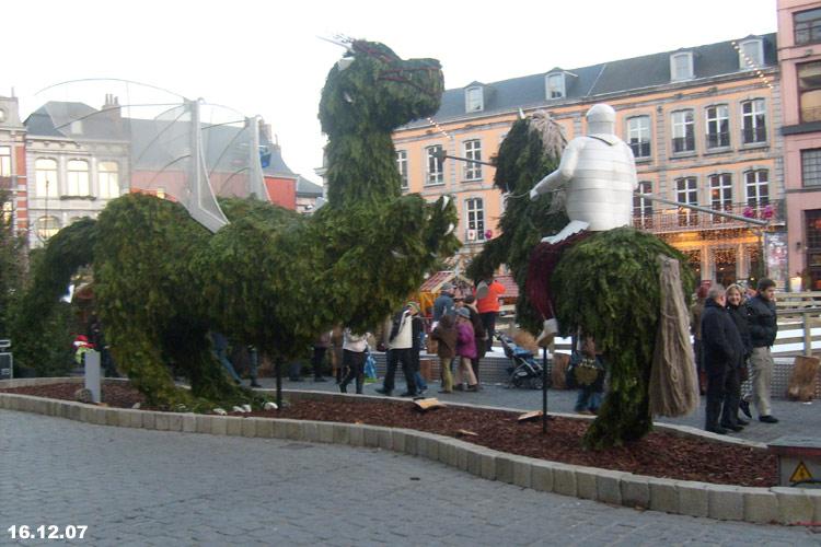 La grand-place de Mons le 16 décembre 07 04_mon10