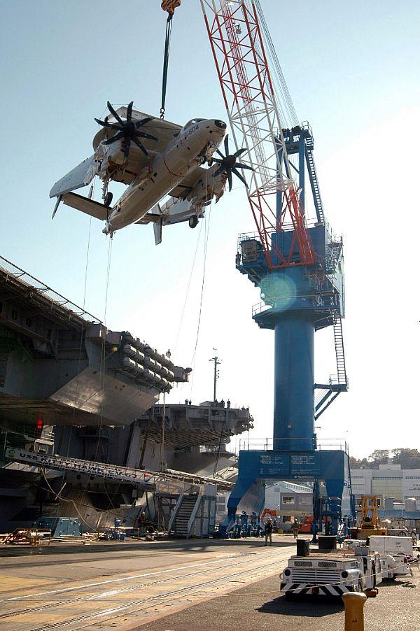 Navy Aircraft : F18 Hornet & Super Hornet - E-2 Hawkeye ... Web_0710