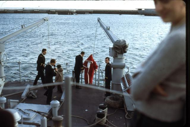 [Les traditions dans la Marine] JOYEUSES FÊTES... A BORD Noel310