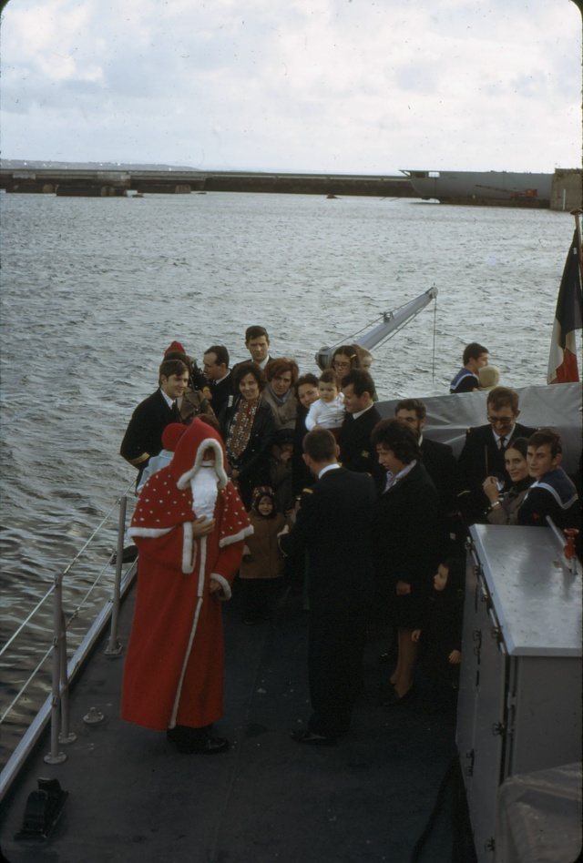 [Les traditions dans la Marine] JOYEUSES FÊTES... A BORD Noel510