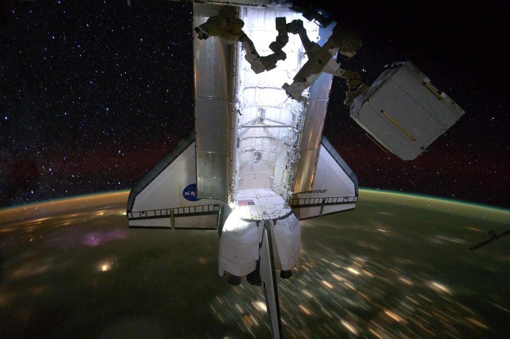 [STS-134] Endeavour: Déroulement de la mission.   - Page 7 Iss02811