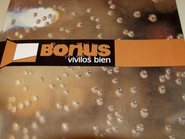 "Revista ""BONUS"" Dscf8410"