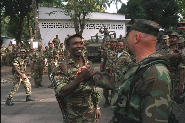 DENARD Bob olonel Comores 1995 dernier baroud 00003110
