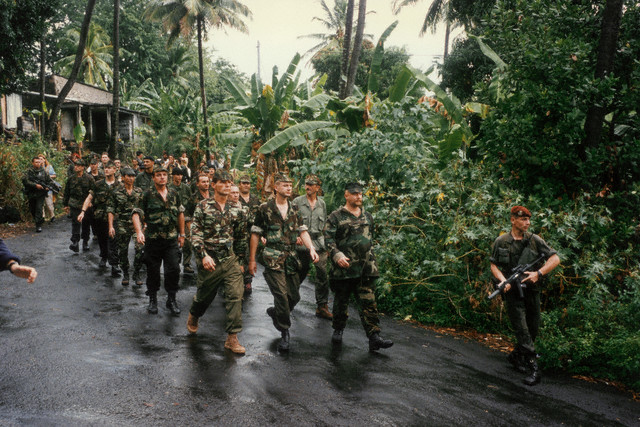 DENARD Bob olonel Comores 1995 dernier baroud 00003114