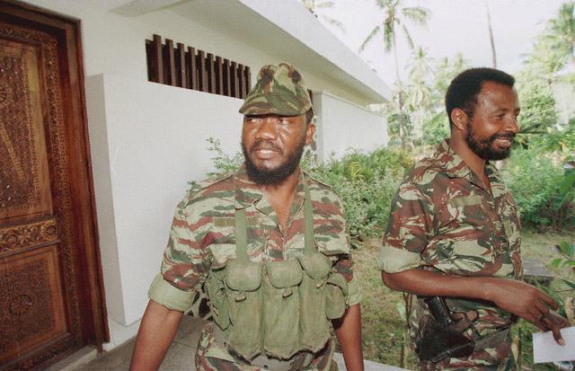 DENARD Bob olonel Comores 1995 dernier baroud 2_como10