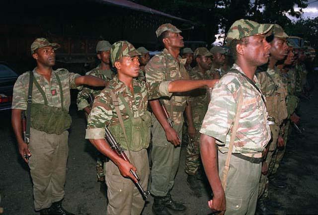 DENARD Bob olonel Comores 1995 dernier baroud 4_como11